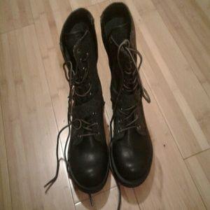 NWOB Womens sz.6 LEVI'S Boots